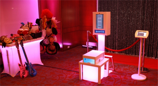 An open booth rental available from Frenzy Booth.